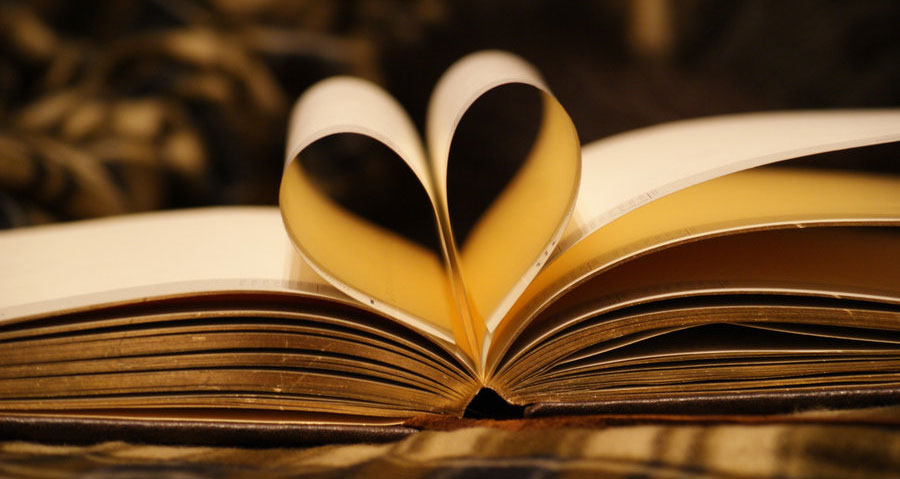 favorite_books_heart